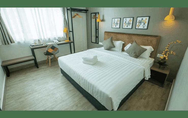 Bzz Hotel Skudai Johor - Deluxe King Room