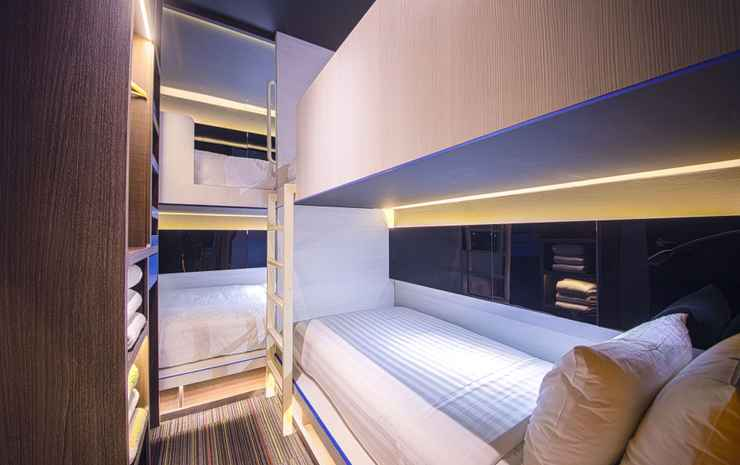 CUBE Family Boutique Capsule Hotel @ Chinatown Singapore - Deluxe Family Room for 5 adults with Private Bathroom