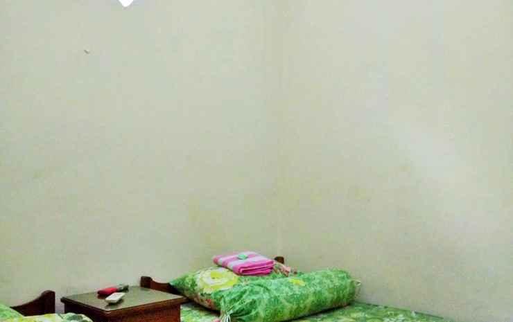 Penginapan Yuddys Syariah Surabaya - Standard AC