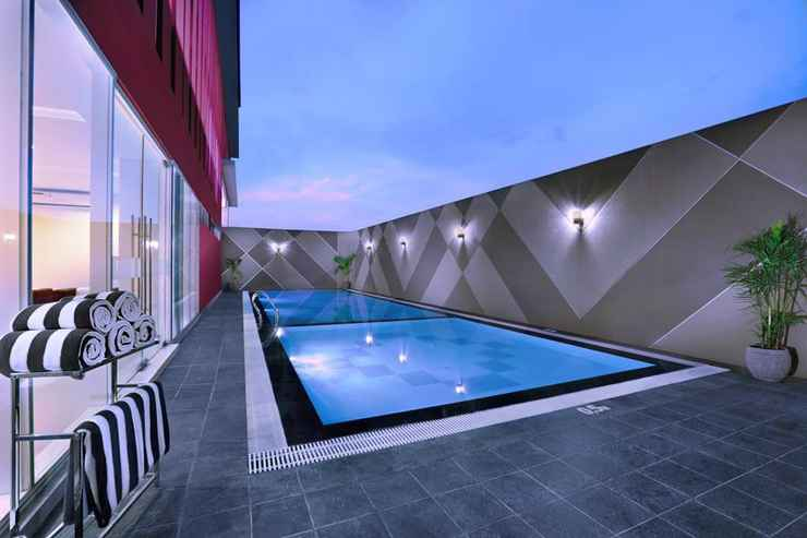SWIMMING_POOL favehotel Rungkut Surabaya