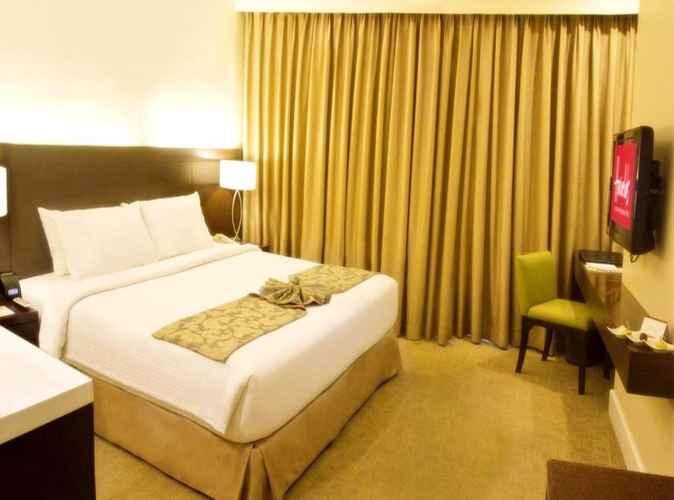BEDROOM Harolds Hotel