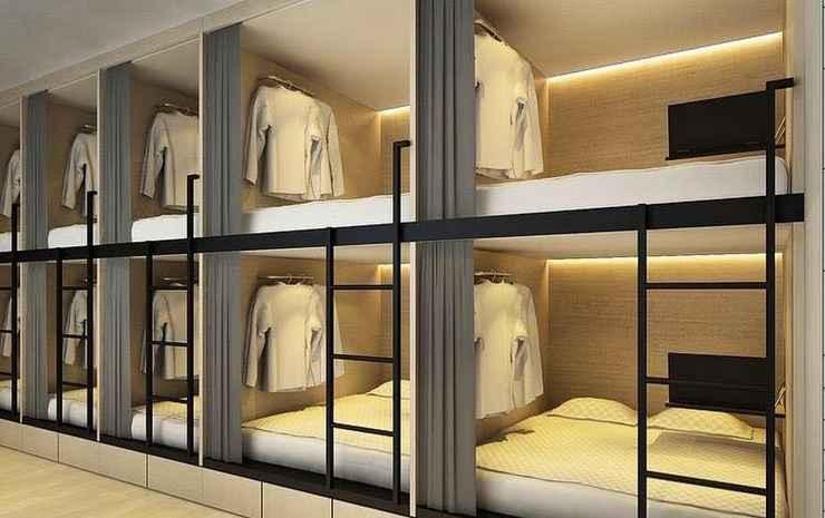 7 Wonders Capsule Hostel @ Jalan Besar Singapore - Family Studio for 10 persons - Red Sea Room
