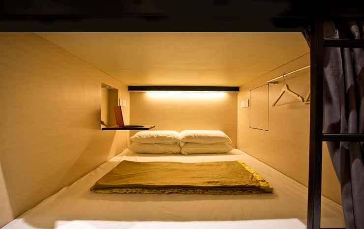 7 Wonders Capsule Hostel @ Jalan Besar Singapore - Queen Capsule in Mixed Room
