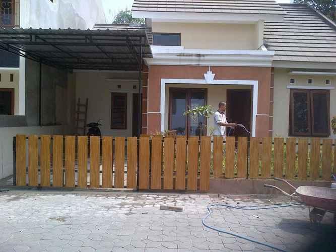 EXTERIOR_BUILDING Critane Homestay