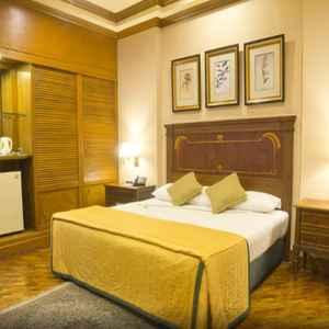 Herald Suites Makati