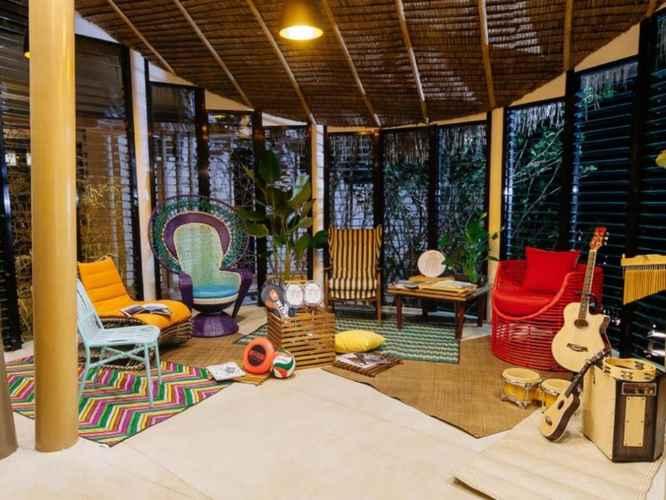 LOBBY Spin Designer Hostel