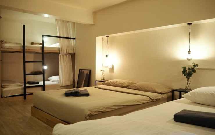 Monomer Hostel Bangkok (Newly Renovated) Bangkok - Quadroom with Shared Bathroom room only