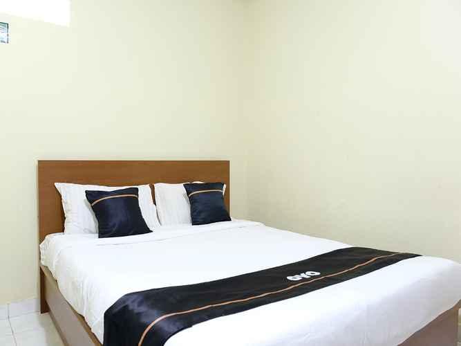 BEDROOM OYO 2349 Hotel Mustika 2