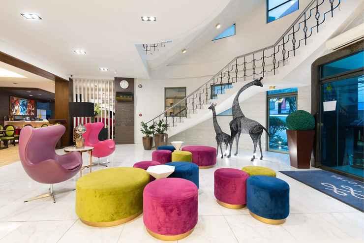 LOBBY Lenox Hotel
