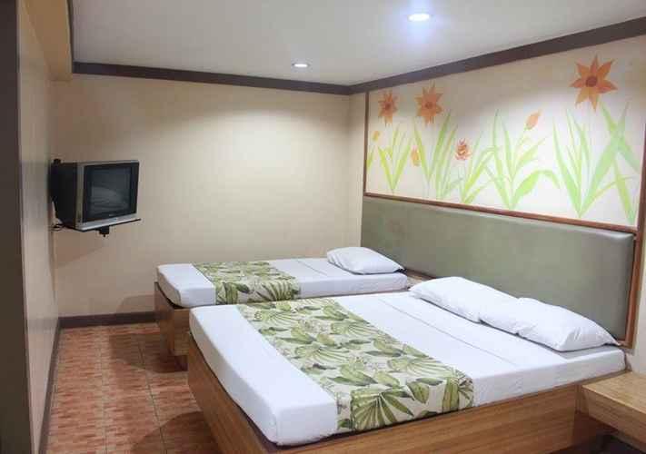 BEDROOM Pinoy Pamilya Hotel