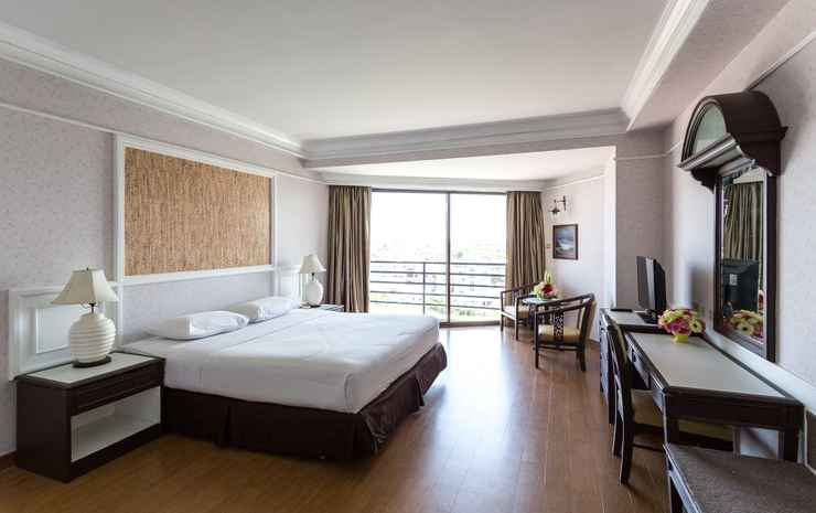 First Pacific Hotel and Convention Chonburi - Deluxe Double Room