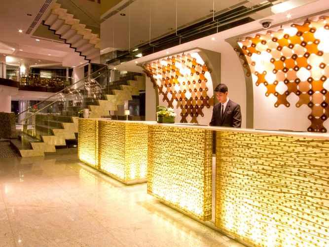 LOBBY Acacia Hotel Manila