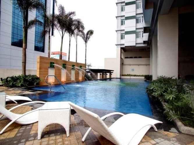SWIMMING_POOL The Exchange Regency Residence Hotel