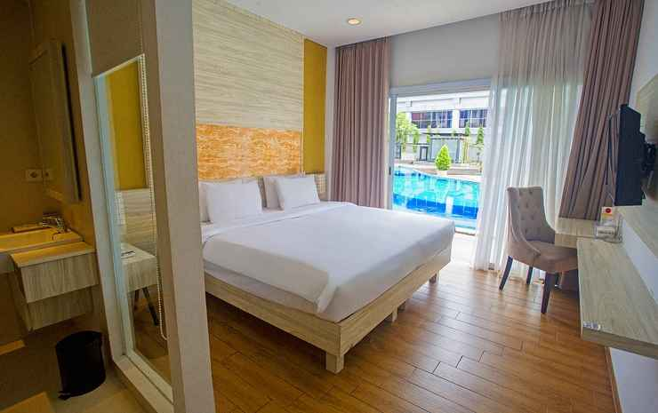 Front One Akshaya Hotel Karawang Karawang - Deluxe Pool Breakfast Non Refundable