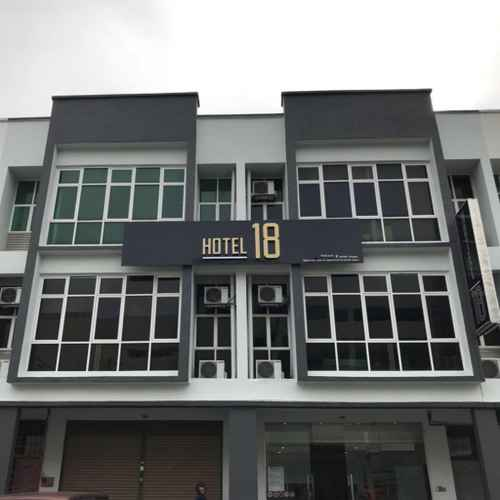 LOBBY Hotel 18