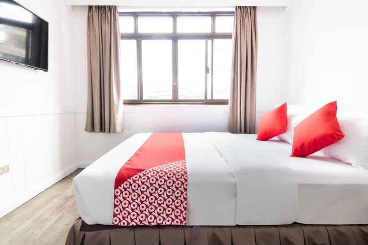 BEDROOM OYO 175 Hotel Elegant