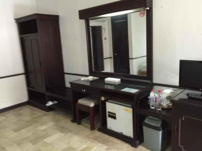 BEDROOM Hotel Wijayakusuma Cilacap