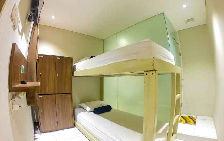 SubWow Hostel Bandung Bandung - 2 bed in 1 room share private bathroom room only