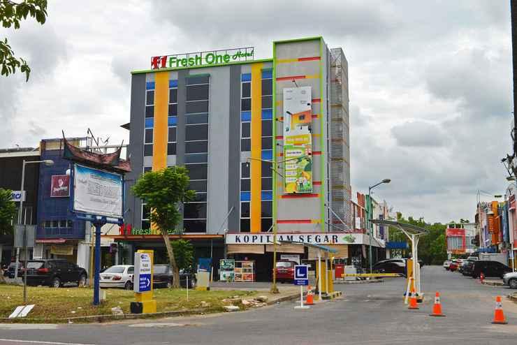 EXTERIOR_BUILDING Fresh One Hotel Batam Centre
