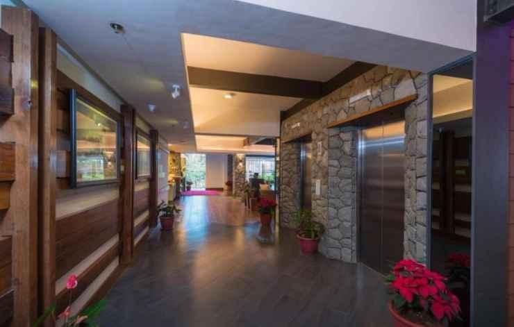 LOBBY Grand Sierra Pines Hotel