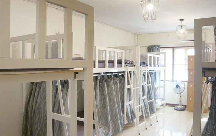Sleep Well Ratchada Hostel Bangkok - Family Room for 10 persons with Shared bathroom