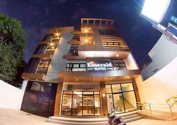 EXTERIOR_BUILDING Emerald Suites