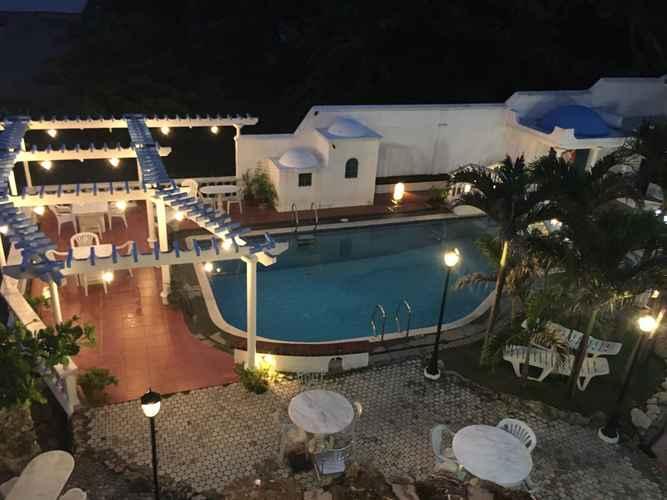 SWIMMING_POOL La Roca Villa Resort Hotel