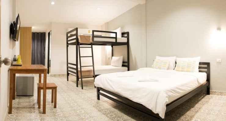 BEDROOM Warm Well Hostel