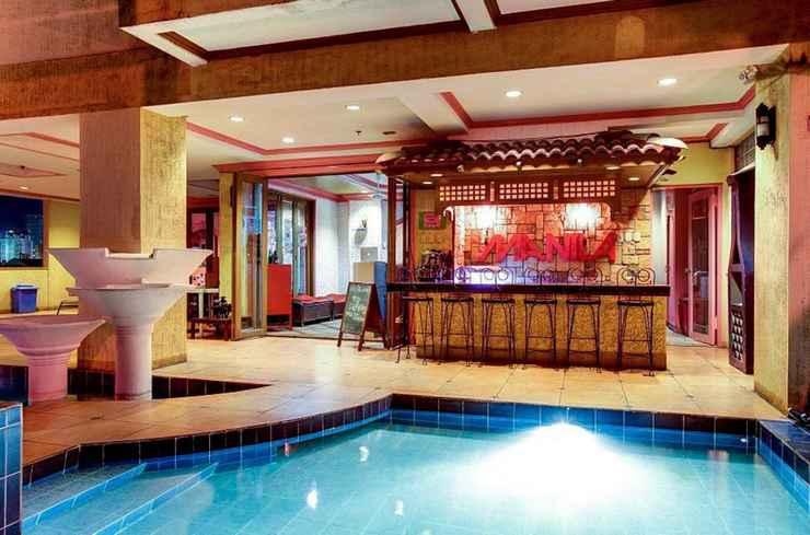SWIMMING_POOL Pink Manila Hostel