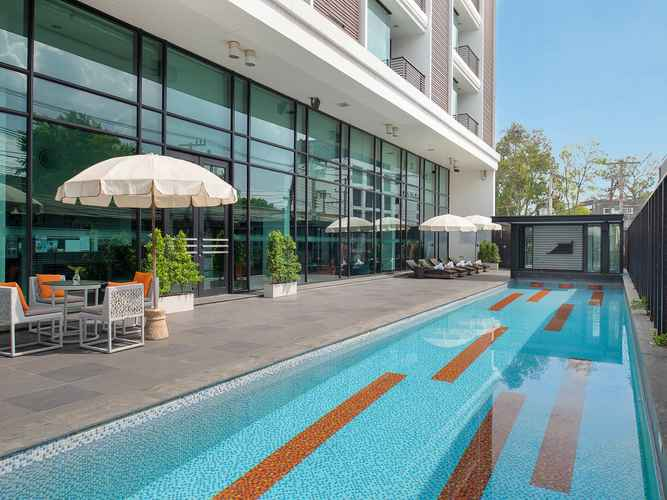 SWIMMING_POOL TSIX5 Hotel