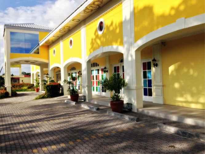 EXTERIOR_BUILDING Metro Vigan Fiesta Garden Hotel