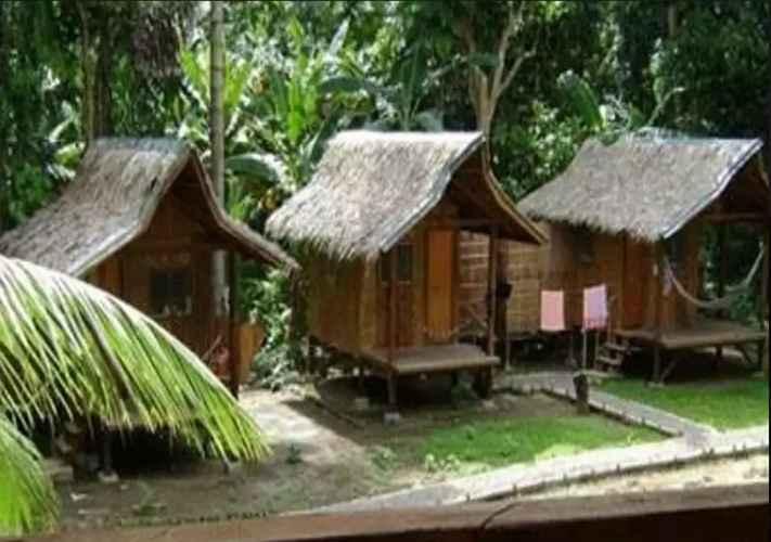 BEDROOM Nipa Hut Village