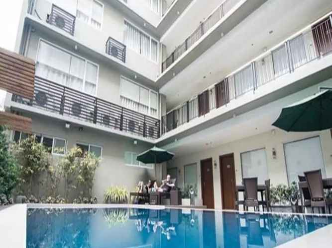 SWIMMING_POOL 88 Courtyard Hotel