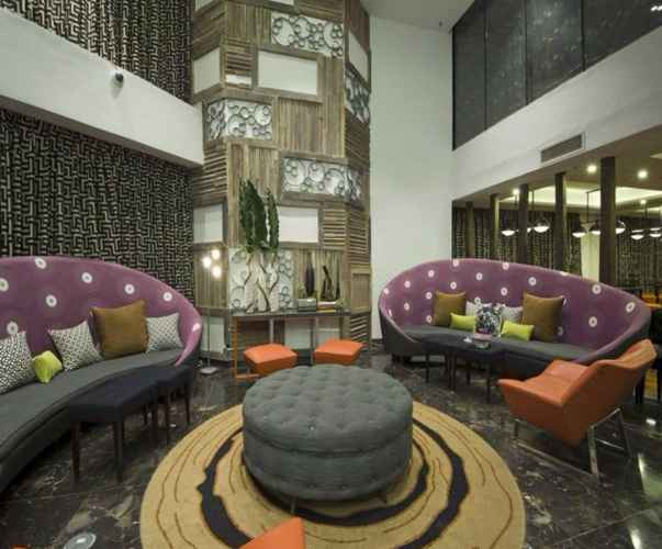 LOBBY Hive Hotel & Convention Place