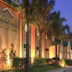 MICROTEL BY WYNDHAM - CABANATUAN