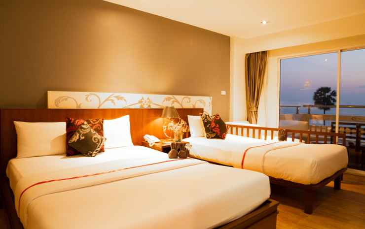 Grand Jomtien Palace Chonburi - Deluxe Triple Room Sea View Room Only