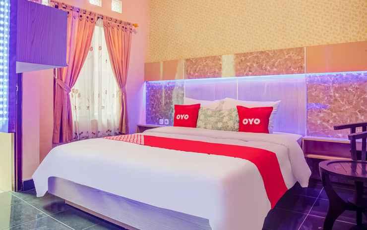OYO 3831 Pelangi Residence Syariah Solo - Standard Double Room
