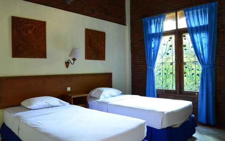 Nuansa Bali Hotel Anyer Serang - Besakih Cottage ( Garden View ) upstair / downstair
