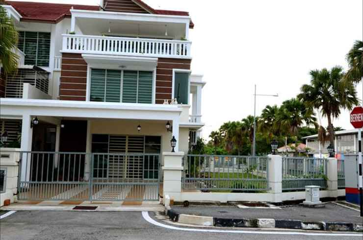 EXTERIOR_BUILDING Felice Holiday House 01