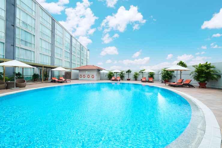 SWIMMING_POOL Eastin Grand Hotel Saigon