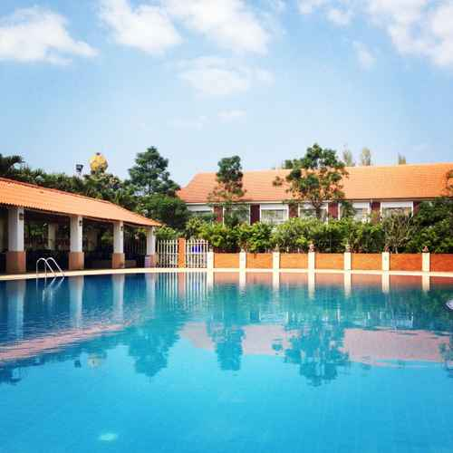 SWIMMING_POOL Homeland Resort