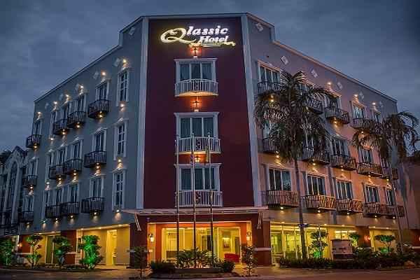 EXTERIOR_BUILDING Qlassic Hotel