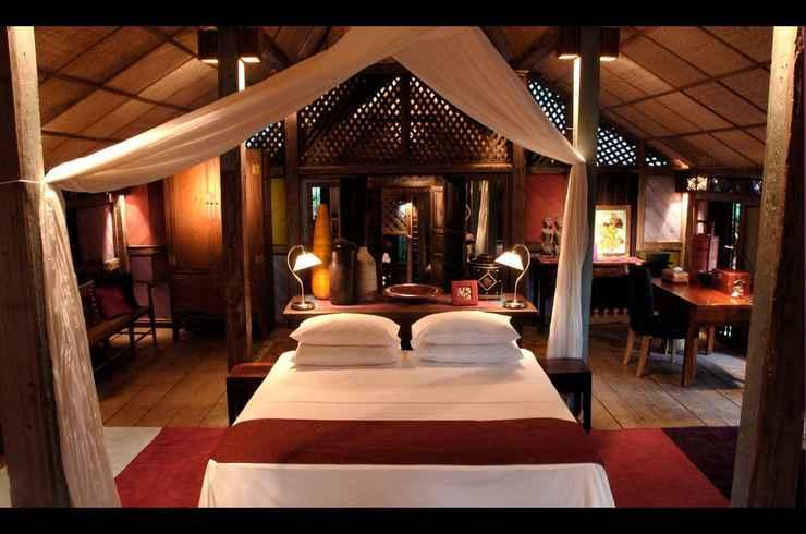 BEDROOM Bon Ton Antique Wooden Villas