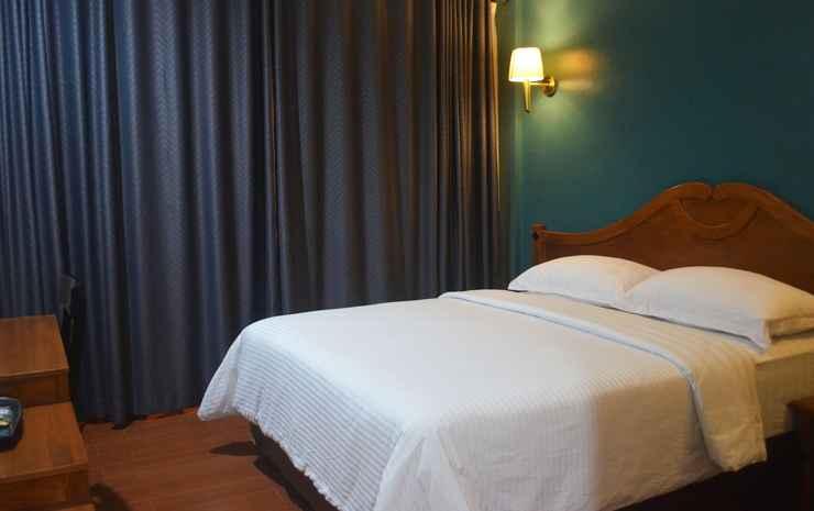 Nina Hotel Salatiga - Deluxe Room only