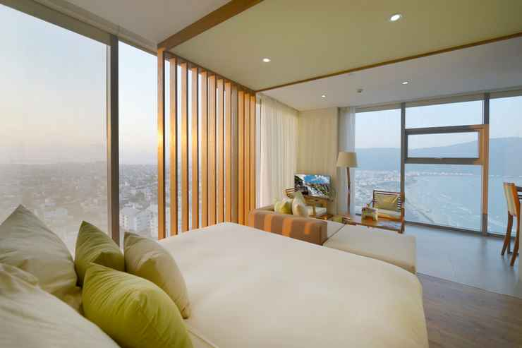 BEDROOM Fusion Suites Da Nang – Reflexology Inclusive