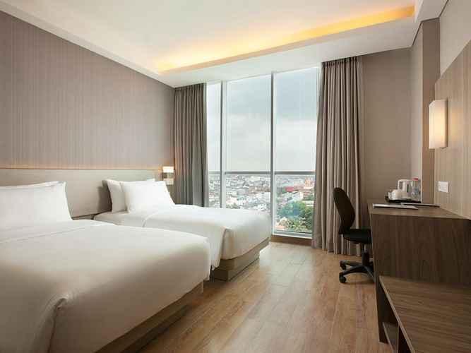 BEDROOM Hotel Santika Radial Palembang