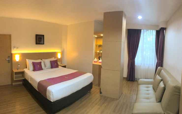 Grand Gallery Hotel Bukittinggi Bukittinggi - Junior Suite King Bed