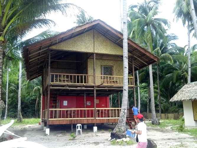 EXTERIOR_BUILDING A Zaragosa Lodging House