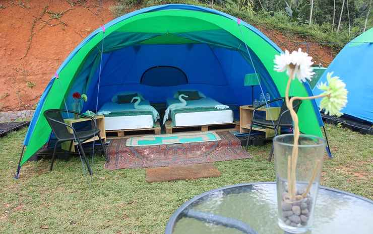 Bravo Adventure Glamourous Camping Sukabumi - Deluxe Camping with 3 Single Bed (Shared Bathroom)