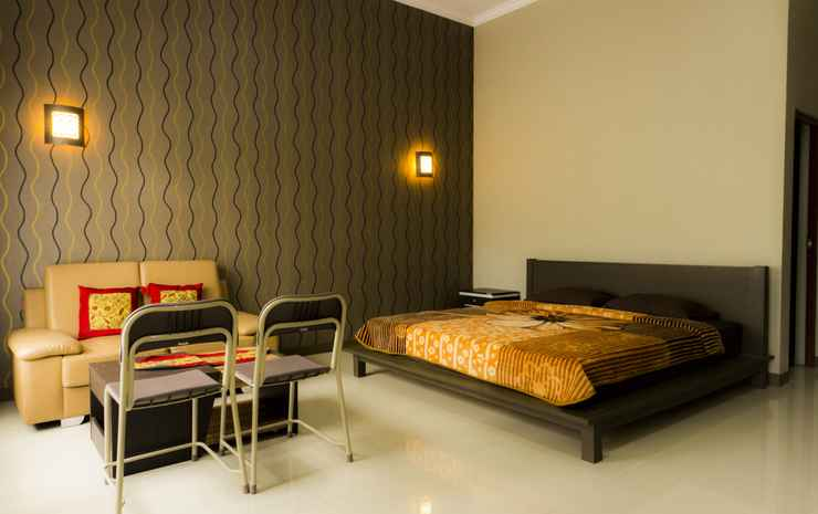 Green Patriot Resort - Cipanas Garut Garut - Junior Suite King Bed
